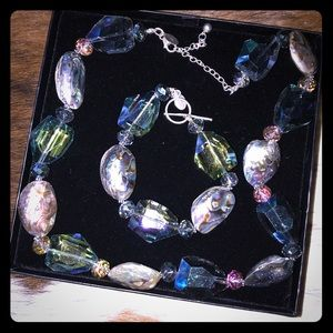 Beautiful Iridescent & Stone necklace & bracelet